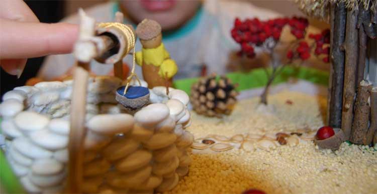 Как построить игрушечный колодец, используя для этого только фасоль