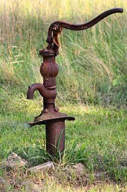 Индикаторные показания грунта как самый точный способ определения залегания грунтовых вод для колодца