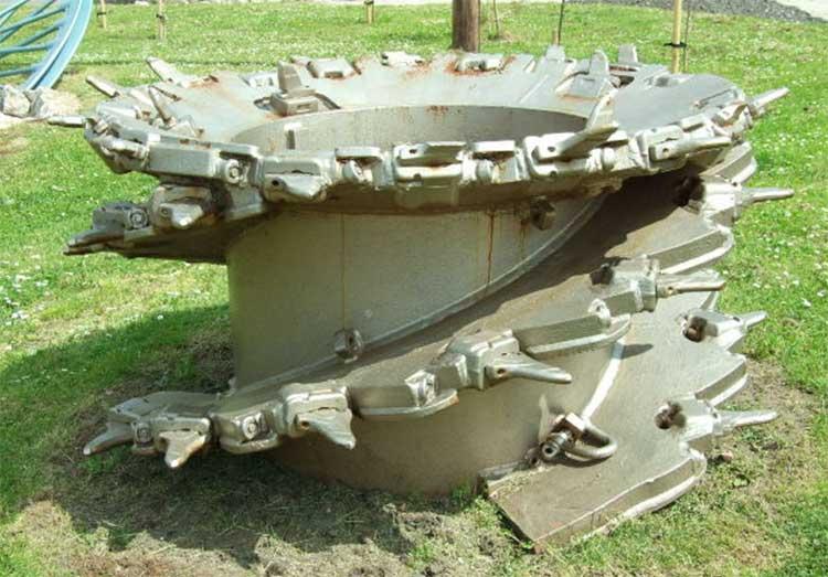 Как выглядит шахта ливниевого колодца