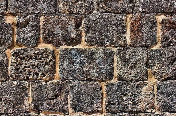 Как заливаются бетонные стены